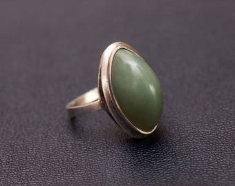 Sterling silver natural jade statement ring. Size - 6 1/2