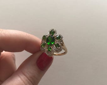 Vintage Large Green Chrome Diopside Flower Cluster 10K Solid Yellow Gold Ring