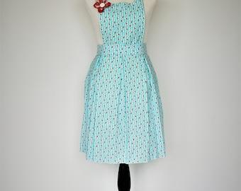 Sweet blue and white striped rosebud full apron with box pleats // full kitchen apron // retro apron // pinup apron // rosebud apron