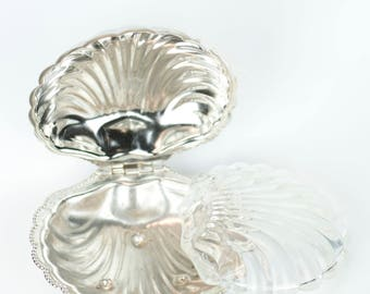 Scalloped silver and glass soap dish
