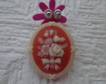 Free Shipping/Avon Earrings and Pin/Vintage Avon/Avon jewelry set/Avon Brooch/Petite Earrings/Avon Petite Earrings
