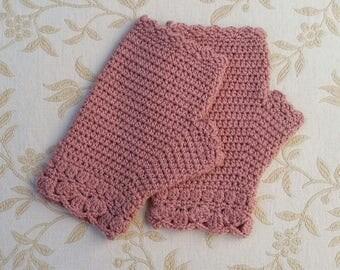 Crochet gloves in rose pink, fingerless gloves, soft merino wool, crochet mittens, handwarmers, winter gloves, women's accessory