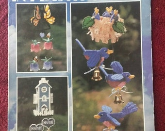 Leisure Arts Wind Chimes in Plastic Canvas 6 p Booklet Vintage 1994
