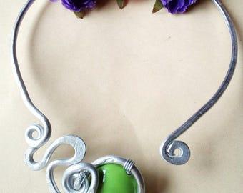 hard ceramic green stone necklace