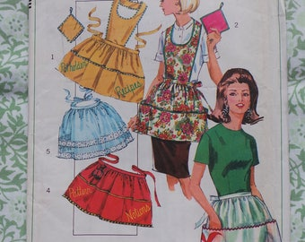 1960s Simplicity Apron and Oven Mit Vintage Sewing Pattern, Uncut Full/Half Pinny and Matching Pot Holders Pattern,Apron with Pockets No6808