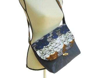 Bag shoulder strap in jeans