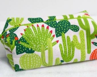 Cactus Makeup Bags, Cactus Cosmetic Bag, Cactus Pouch, Round Makeup Bag, Cactus Zipper Bag, Cute Makeup Bag, Gift for Her, Cactus Travel Bag