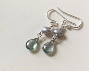 moss aquamarine and grey pearl earrings on sterling wires, aquamarine earrings, pearl earrings, aquamarine drop earrings
