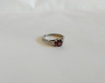 Sterling Silver Vintage Almandine Red Crystal Ring - Size 6