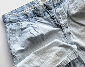 Vintage Dockers Shorts, 90's Shorts, Baggy Shorts, Distressed Shorts, Loose Shorts, Chambray Shorts, Size 34