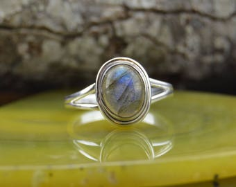 Round Labrodorite and Sterling Silver ring size 6.25