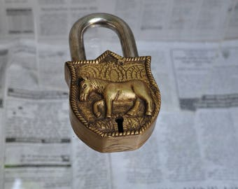 Horse padlock with 2 keys - CC069