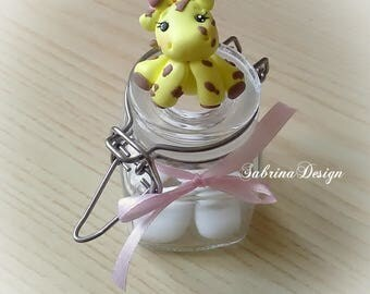 Giraffe favor, polymer clay favors, girls favors, baby shower favors, birthday favors, safari party, animals favors