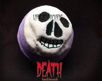 Death Bath Bomb - vegan - handmade - skull - death - horror - halloween - vegan gift ideas - gothic - birthday gift - gifts for her  present