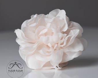 Peony Silk Flower, Bridal Hair Accessories, Floral Clip, Champagne Flower, Fabric Flower Brooch, Blush Silk Flower, Wedding Jewelry, Fashion