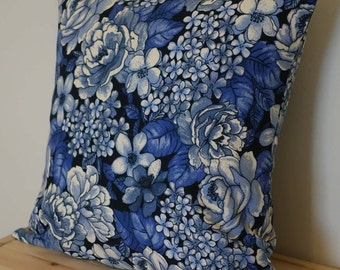 Blue floral scatter Cushion,  Square flower Cushion, Cushion cover, Cushion with fibre insert, Blue floral chic Pillow, decorative pillow