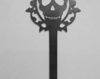 Skull Skeleton Key Metal Art