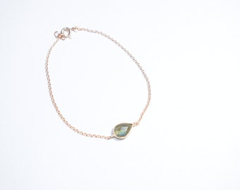 Labradorite bracelet,bezel bracelet,Pear bracelet,Rose gold bracelet,gemstone bracelet,tiny bracelet,gemstone women jewelry ,birthday gift