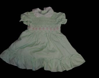 Vintage Girls Mint Green Smocked Dress with Lace Peter Pan Collar