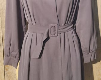 1940s Dusty Purple Princess Coat with Large Pointed Collar and Matching Belt, Vintage Tailored Women's Trench Coat