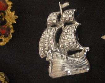 silver BROOCH vintage assorted brooches. 1940/50s vintage clasp