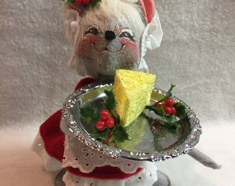 Annalee Dolls - Mouse with Cheese Tray - 1997 (#008)