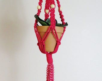 Red macrame plant hanger with natural wood beads/macrame plant hanger/red macrame plant hanger/planter/plant hanger