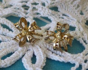 Vintage Coro Bow Screwback Earrings with Rhinestones