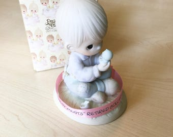 Vintage Precious Moments I Believe In Miracles Figurine E-7156 RETIRED