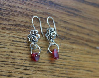 Red beach glass flower earrings (silver-plated)