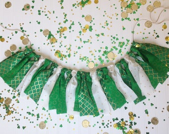 St. Patirck's Day Garland / Fabric Banner / Green Gold / Shamrocks Decor / St. Patrick's Day Party Decor / Photo Shoot Backdrop