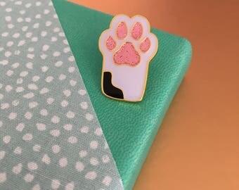 White Cat / Dog paw print enamel pin!