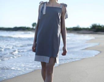 Grey sleeveless short dress