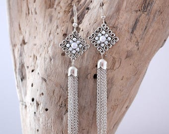 Earrings dangling White Pearl and silver (BO104)