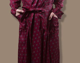 Vintage Men's Robe - Small Burgundy Tootal Rayon Dressing Gown - Made in England - Size 40 - Bedroom Attire