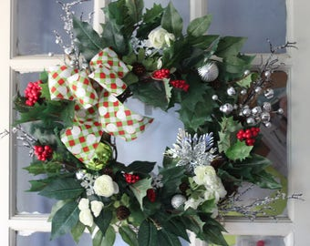 Holiday Wreath Small Traditional