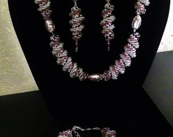 Set 3 pieces, necklace, bracelet and earrings