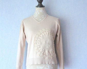V-neck long sleeve sweater, beige and doily vintage lace, women size 40/42