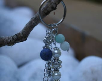 Shell and pearl beads keychain