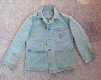 Vtg 1940s WWII thrashed HBT USMC P-41 chore jacket w stencil / militaria / menswear / workwear / heritage