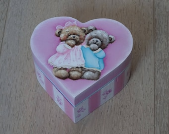 """""""The 2 friends"""" heart shaped wooden jewelry box"""