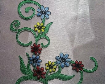 Flower applique, Flower patches, Iron on Patches, Sew on Flower patch, embroidered applique, for clothes, jeans, bags, DIY