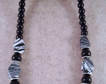 Great black acrylic beads necklace