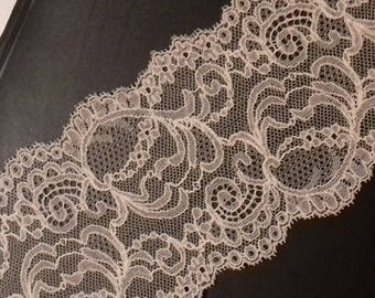 lace of calais flesh pink 10cm wide sold by 20 cm long cut to size