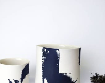 ZEN 1 l: black and white porcelain, calligraphic look through stake contrasts, unique