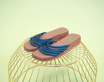 Lovely vintage Etienne Aigner cork and leather platform slides with dark teal leather straps SIZE 8