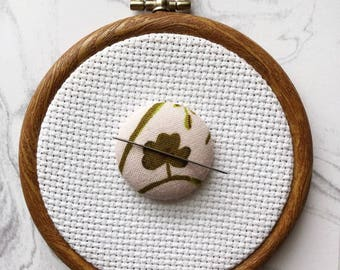 Cross Stitch Magnetic Needle Minder, Sewing Notion, Hand Embroidery, Needle Keeper, Heather Ross Clover Design, Stitching Accessory