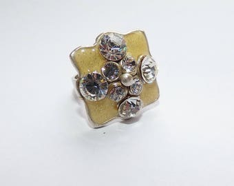 Silver fancy ring and rhinestones