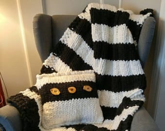 Blanket and pillow set