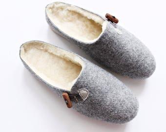 Women wool felt slippers, felted home shoes, felt slippers,  slippers. Gift for her